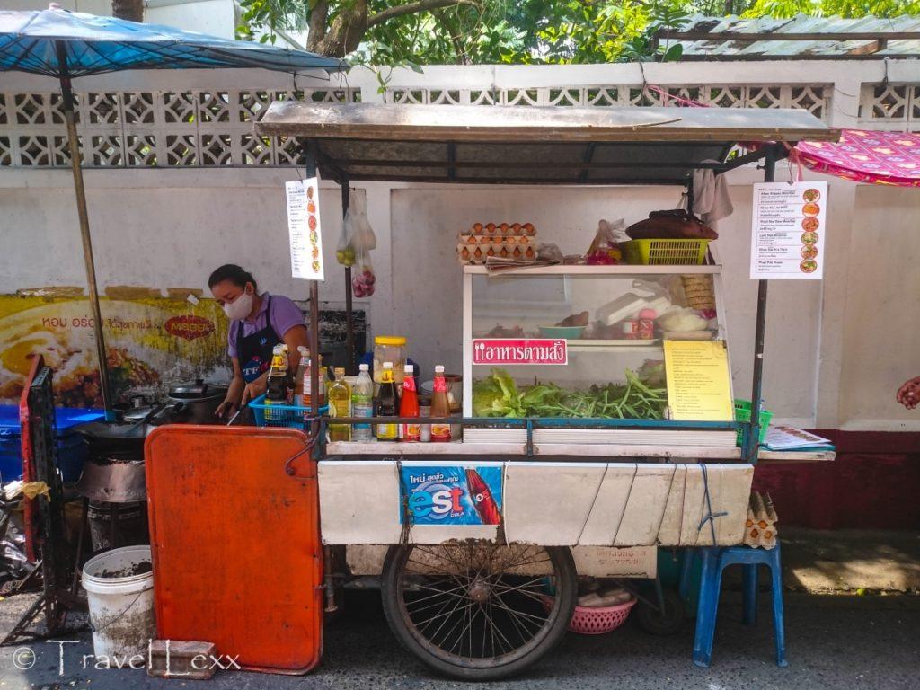 A street food cart near Jim Thompson House