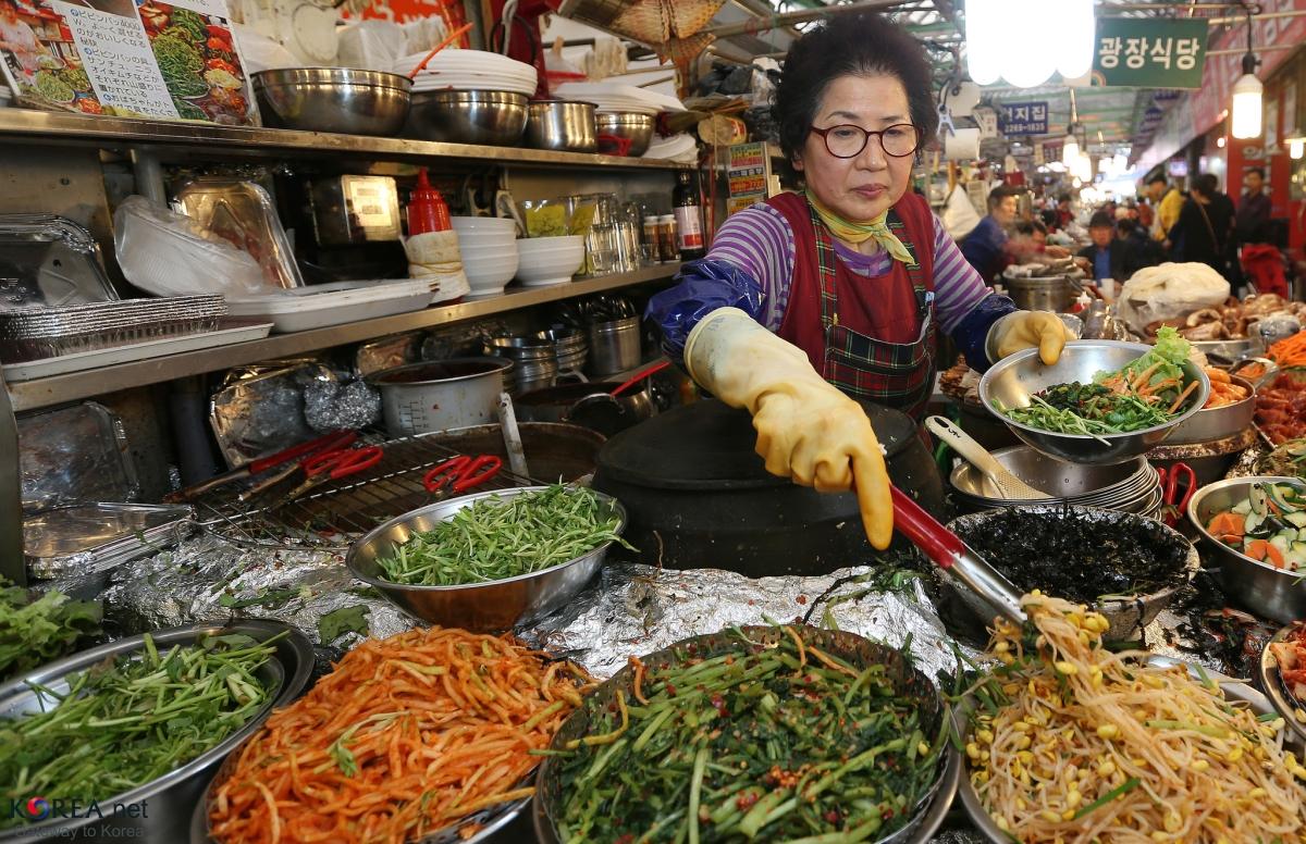 Delicious food - Gwangjang Market