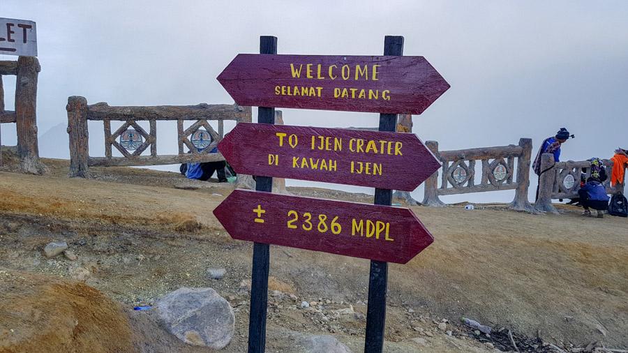 Sign welcoming visitors to Kawah Ijen