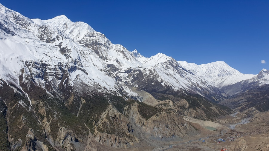 A sweeping view of the mountains from the Manang to Ice Lake hike